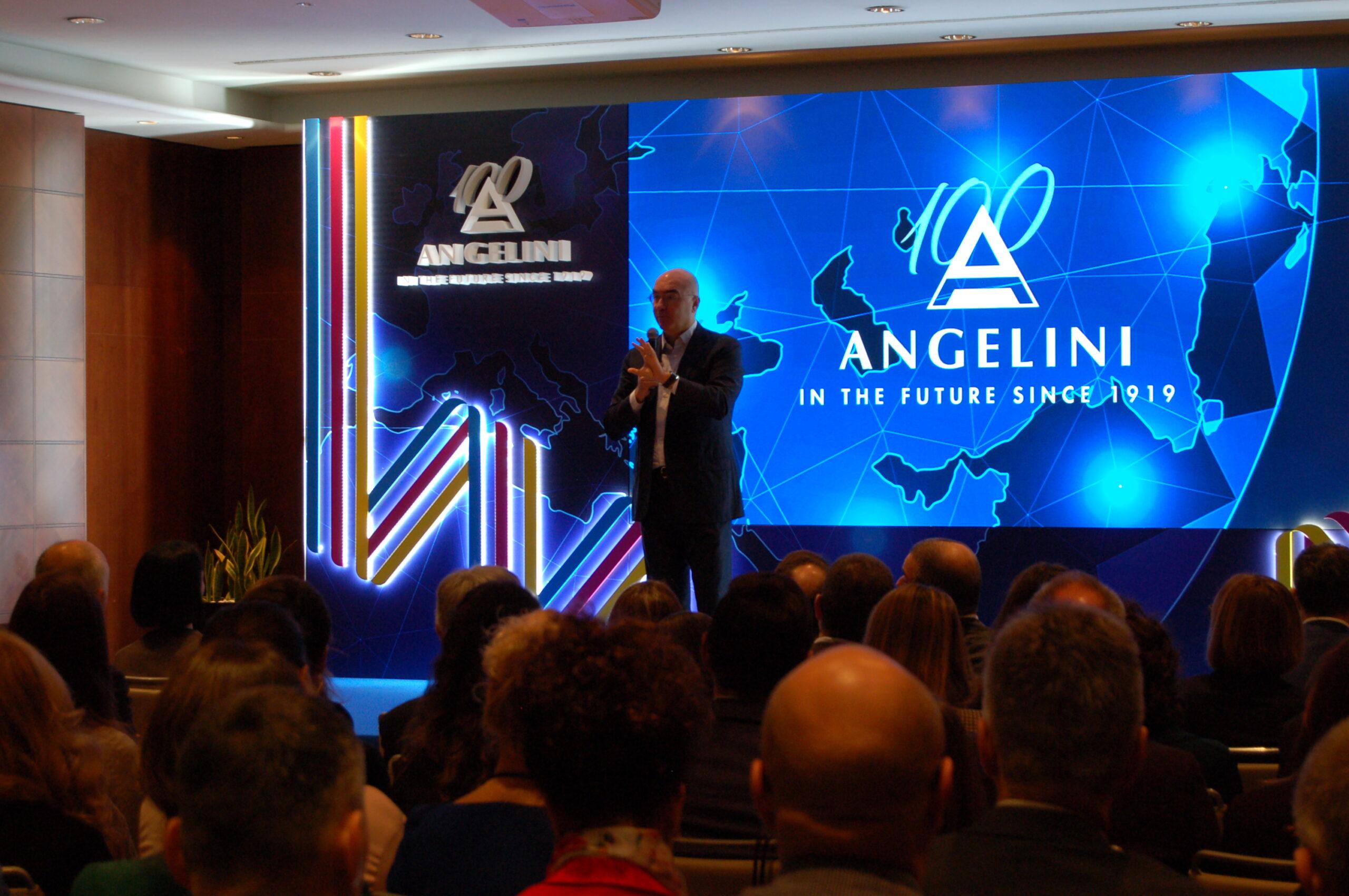 https://www.fareservizitecnici.it/wp-content/uploads/2020/02/Angelini-evento-03-scaled.jpg